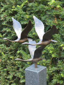 Skulptur 3 Schwäne Bronze