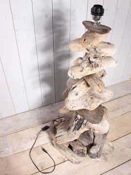 Schirmlampe aus Holzstücken 110 cm