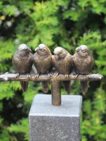 Bronzedenkmäler