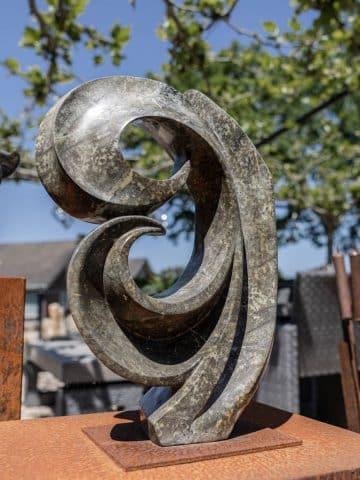 Afrikanische Naturstein-Skulpturen aus Simbabwe