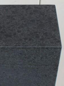 Sockel Basalt stein 84*8*8 cm